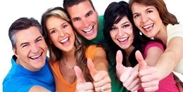 5-happy-people-thumbs-up-web-kopiowanie